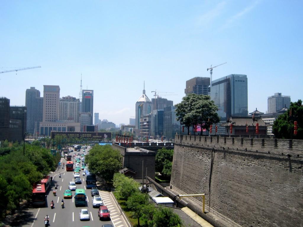 Xian, metropolă modernă construită în jurul vechilor construcții