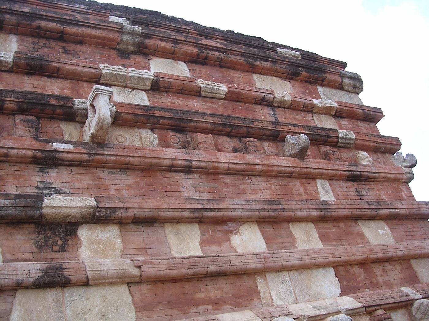 93 de milioane de cărămizi au fost necesare pentru ridicarea Templului Jetavanaramaya