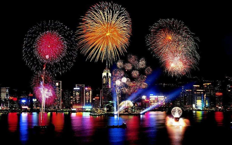 Artificiile sunt elementele care marchează trecerea în Anul Nou