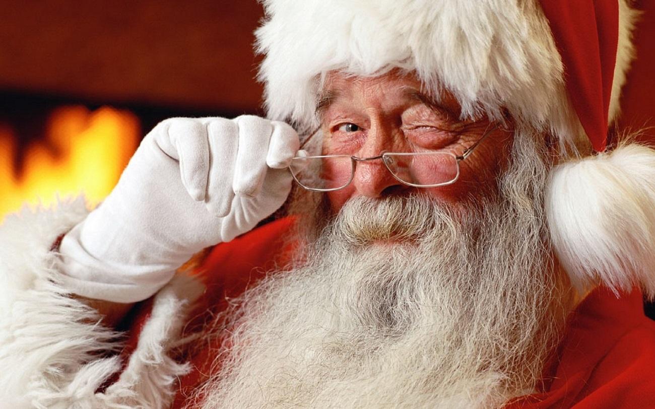 Bătrânelul bun care ne înfrumusețează sărbătorile
