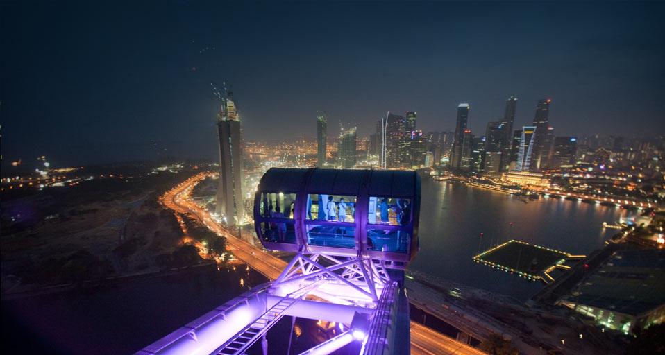 Capsulele din Singapore Flyer, o idee ingenioasă