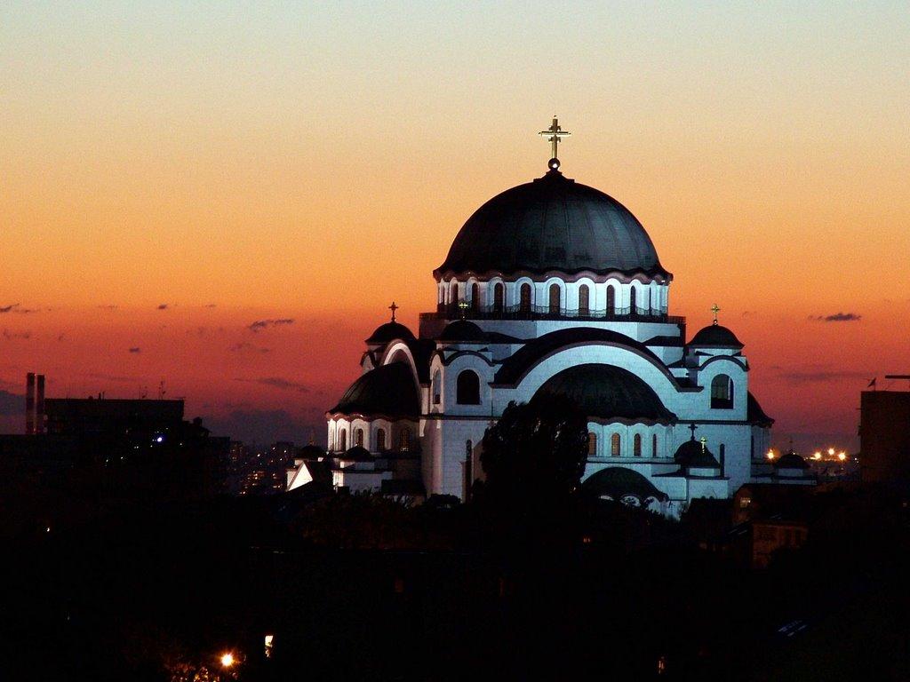 Catedrala Sfântul Sava oferă o altă dimensiune orizontului din Belgrad