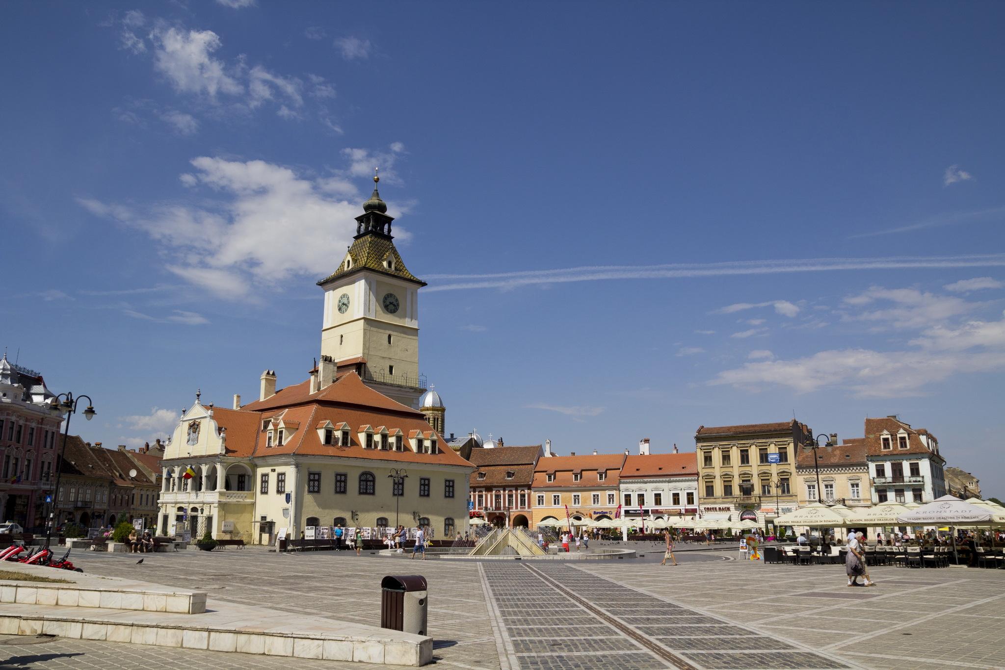 Cer senin în Piața Sfatului din Brașov