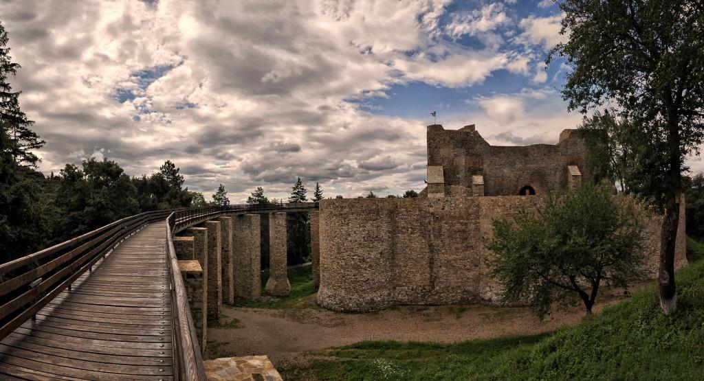 Cetatea Neamțului spre Apus