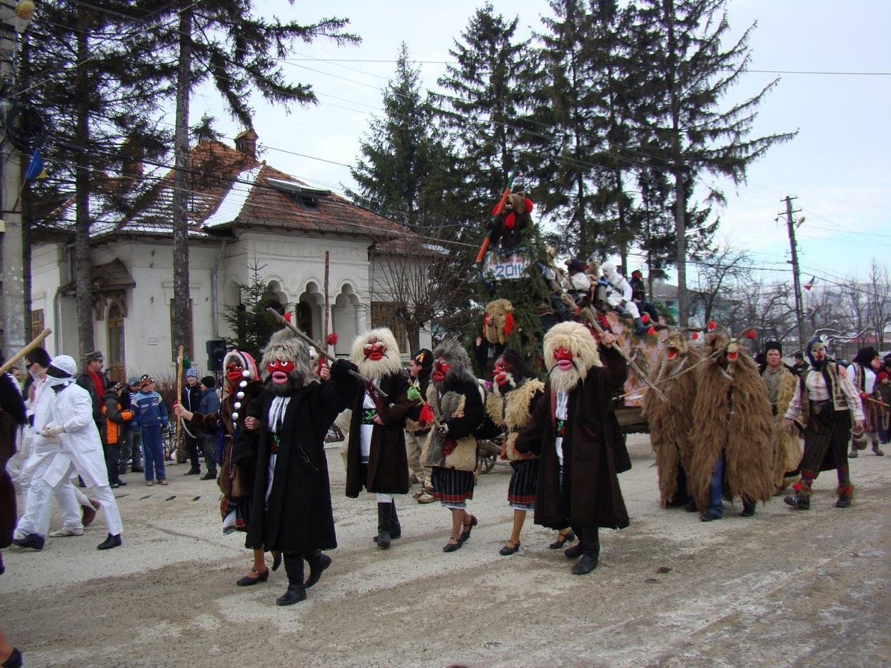 Cete de mascați, Moldova
