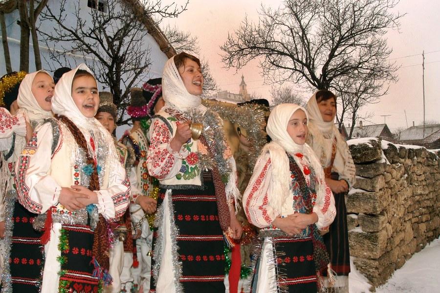 Colindătorii moldoveni vestesc Ajunul Crăciunului