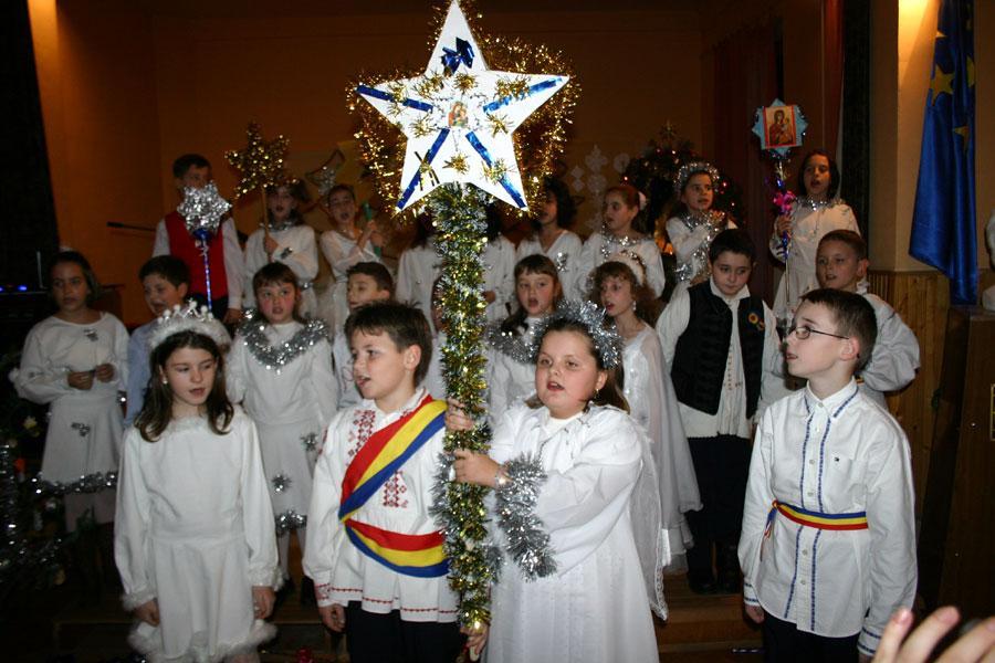 Copiii din sat merg cu Steaua