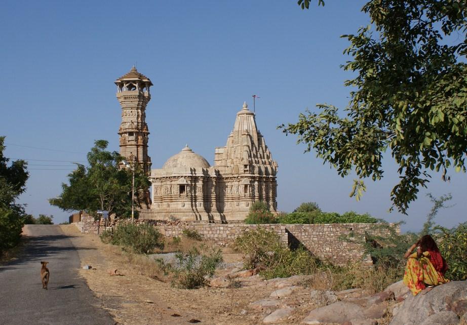 India între vechi și nou