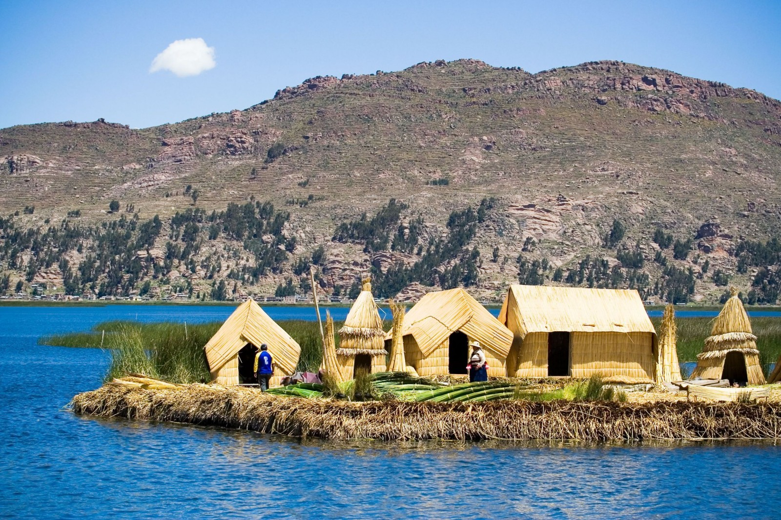 Ambarcațiune clasică pe Lacul Titicaca