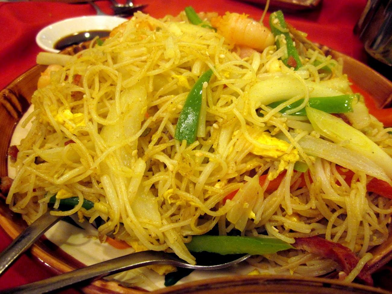 Kway teow, sortiment de mâncare tradițional din Singapore