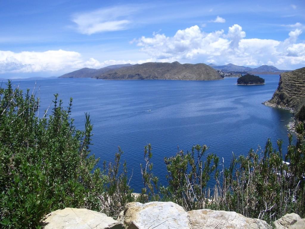 Lacul Titicaca văzut de pe Insula Soarelui