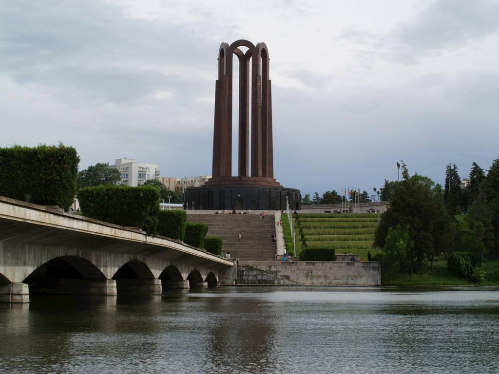 Mausoleul din Parcul Carol, o construcție ce a supraviețuit timpurilor
