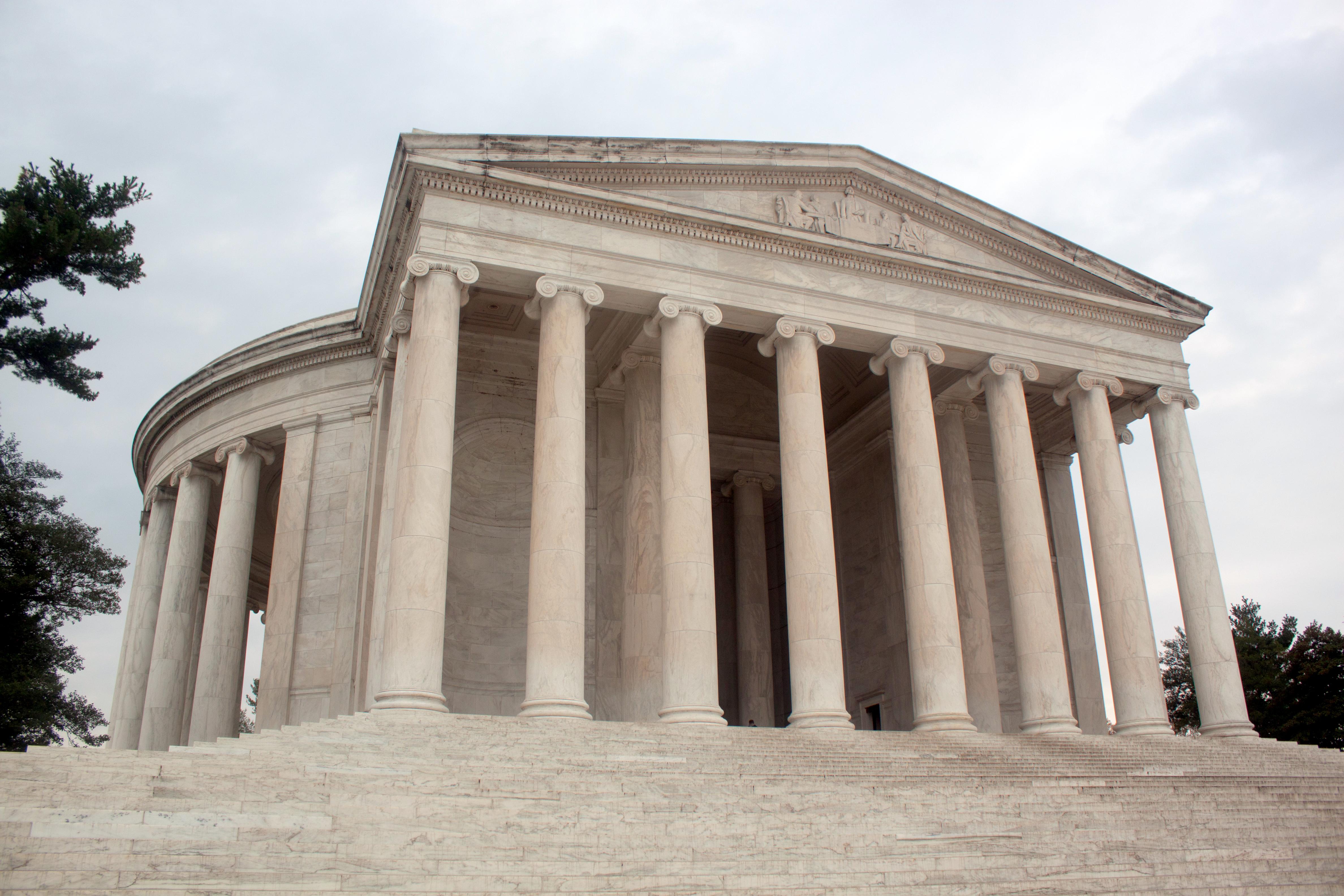 Memorialul Thomas Jefferson, vedere din față