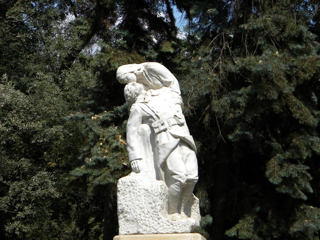Monumentul Soldatului Francez din Grădina Cișmigiu