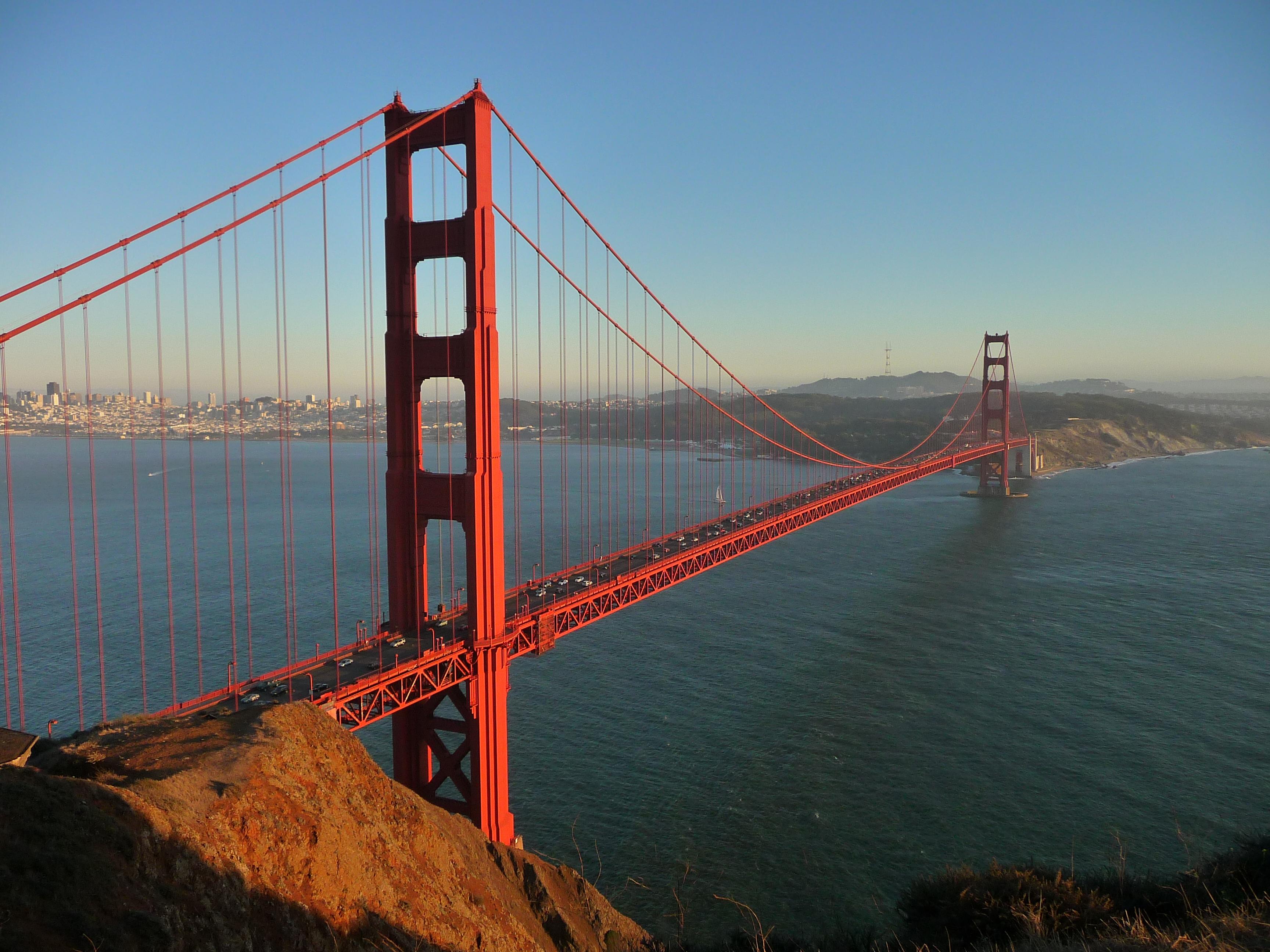Orange International culoarea oficială a podului Golden Gate