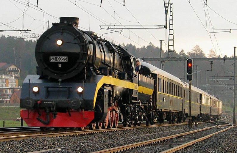 Orient Express și imaginea tradițională a locomotivei cu aburi