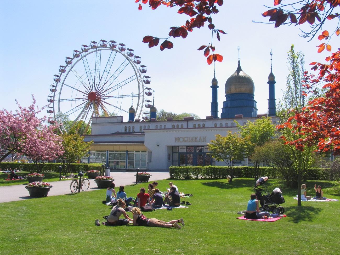Parcul Folkets, prilej de relaxare şi petrecere a unor momente frumoase alături de cei dragi