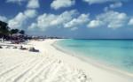 Plajele de pe insulă au un nisip incredibil de alb
