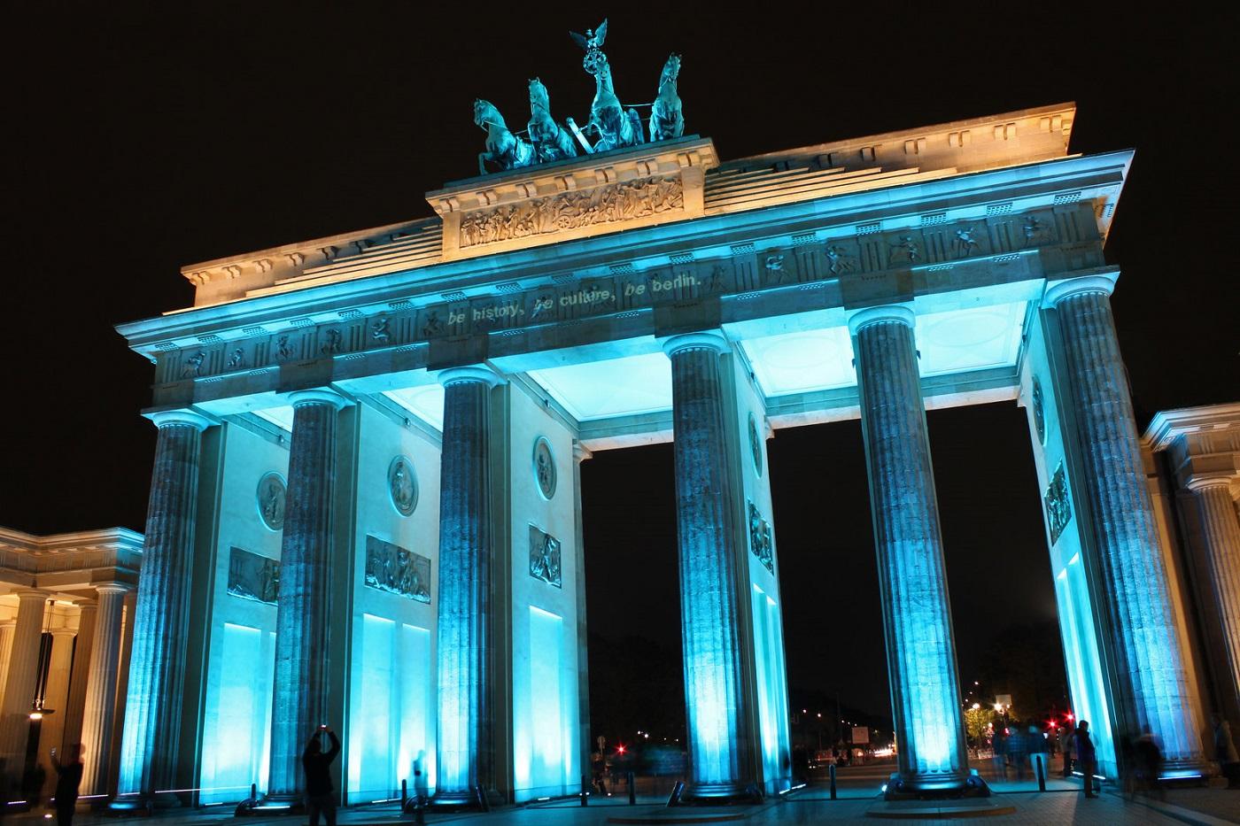 Poarta Brandenburg, un spațiu popular al promenadelor de seară