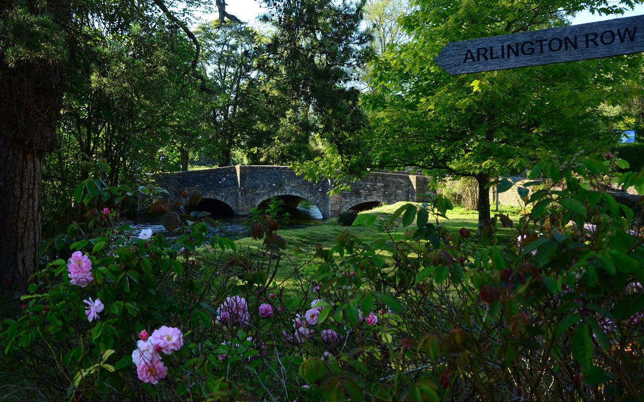 Podul care trece peste Râul Coln, Bibury