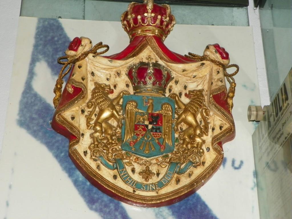 Stema veche a României și Nihil Sine Deo