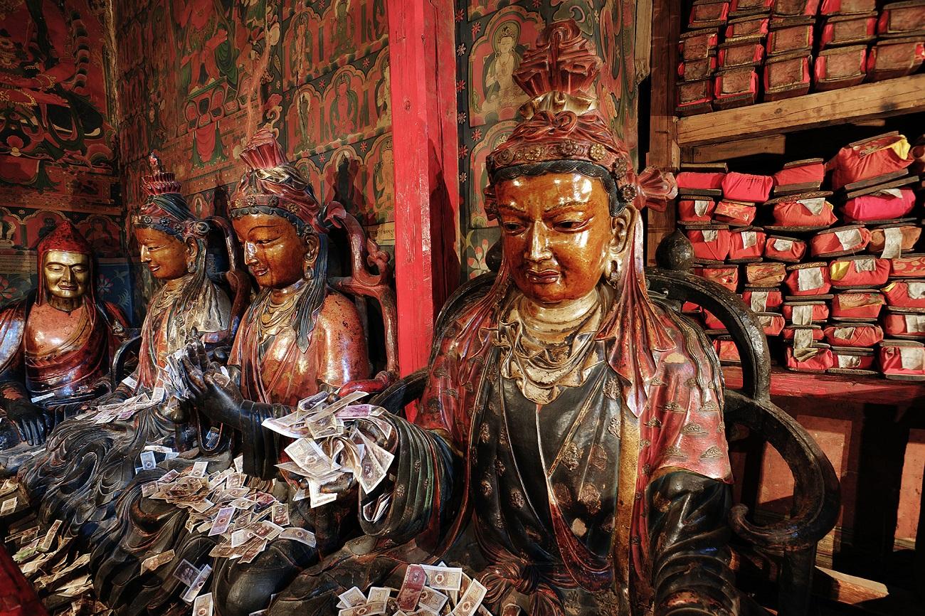 Sume importante de bani sunt aduse drept recunoştinţă de către turişti
