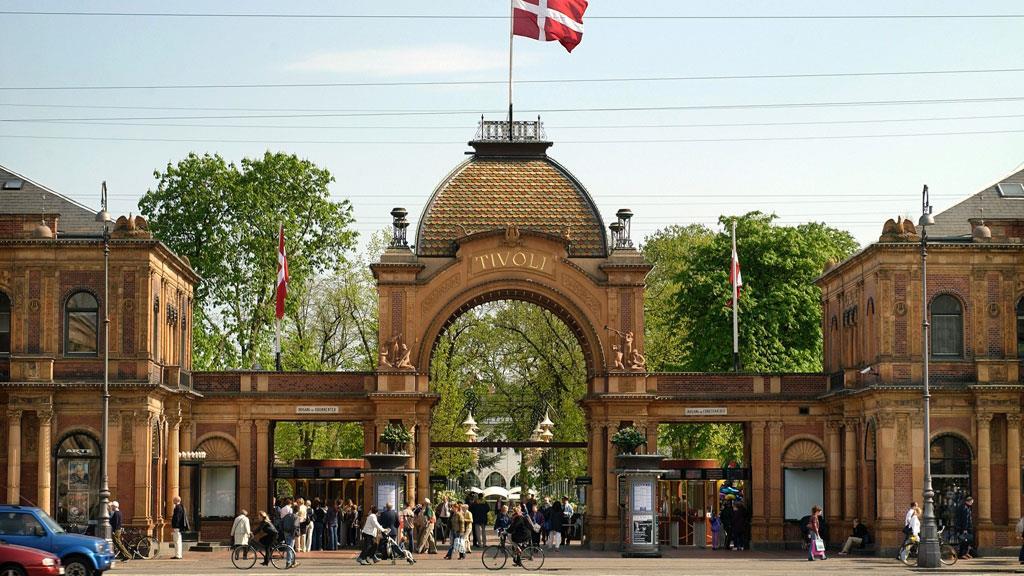 Intrarea principală în Tivoli Gardens