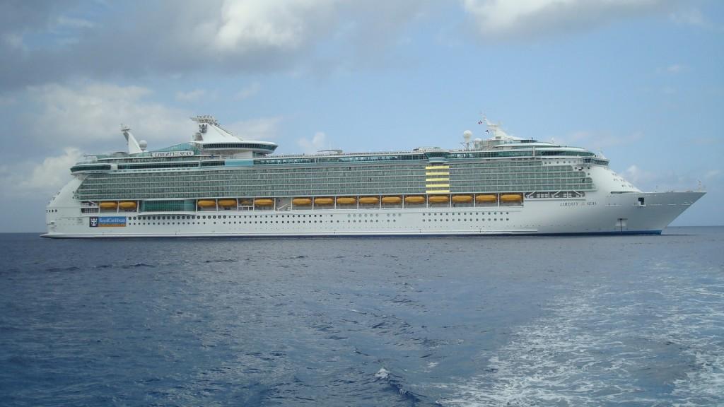 Vasele de croazieră sosesc aproape zilnic în Insulele Cayman