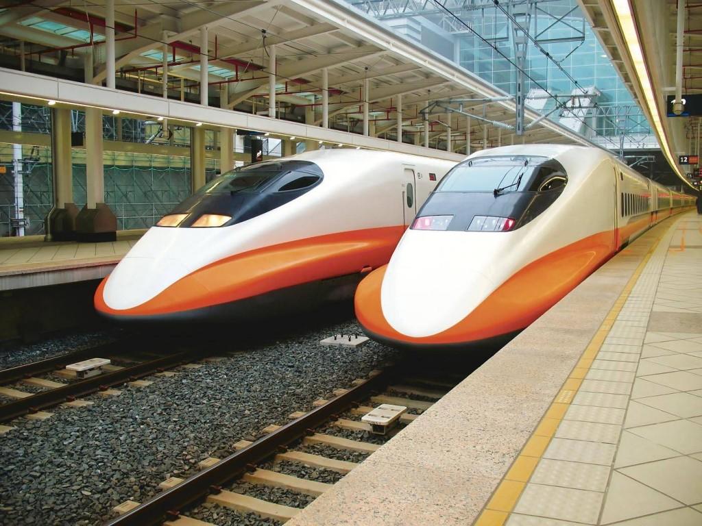 Viitorul ar putea arăta așa - trenuri de mare viteză și o gară cu profil comercial