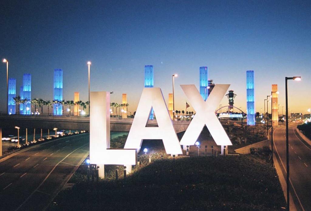 Zona de acces în LAX, aeroportul din Los Angeles