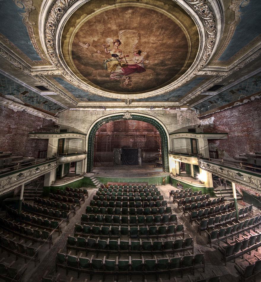 Auditoriumul Orpheum, Massachusetts, SUA - deschis în ziua în care Titanicul s-a scufundat