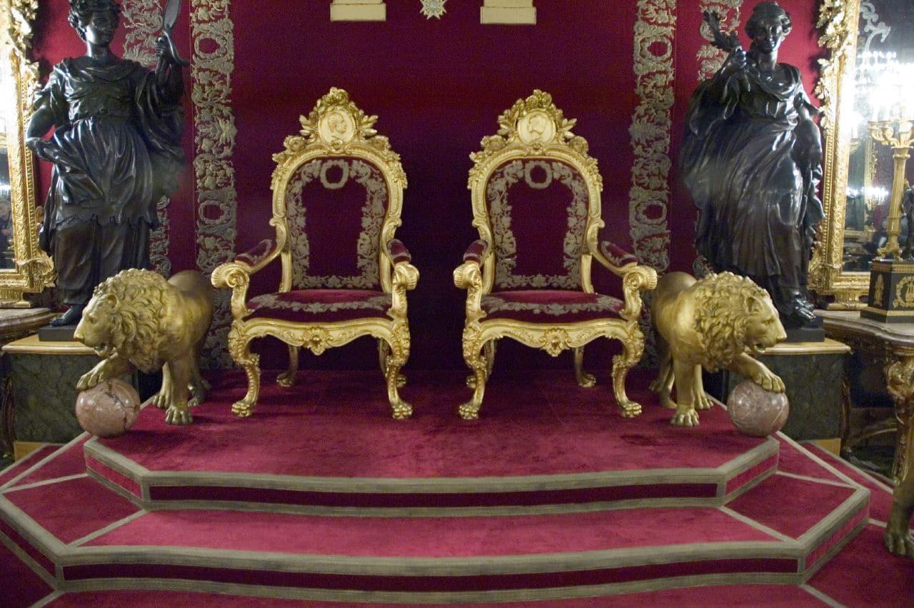 Camera tronului din Palatul Regal, oraşul Madrid