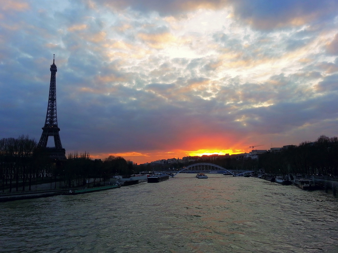 Apus de soare pe Sena