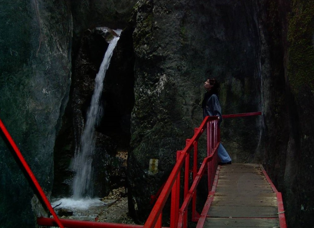 Una din minunatele cascade din Canionul 7 Scări