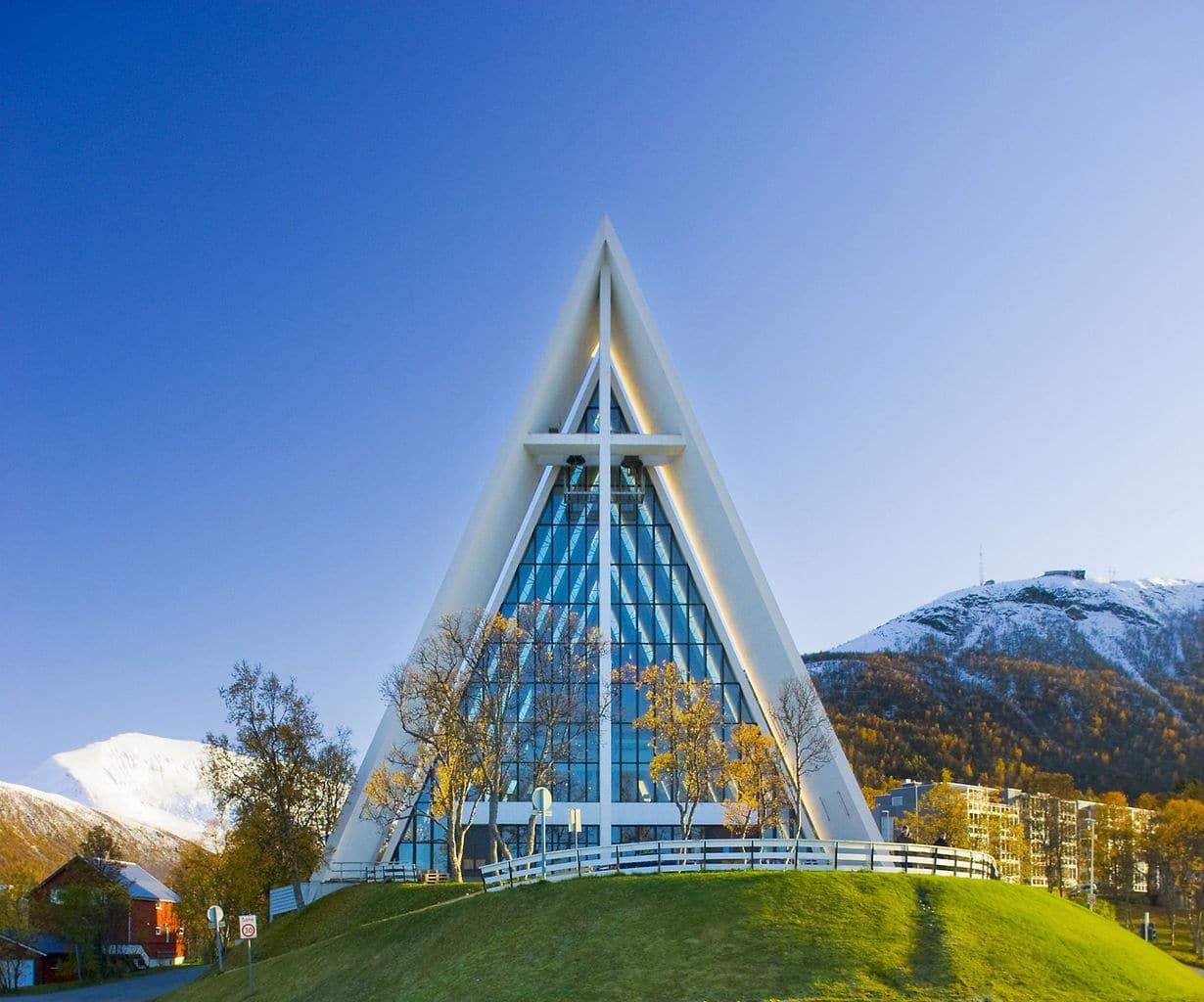 Catedrala Arctic, cel mai fotografiat monument din oraş
