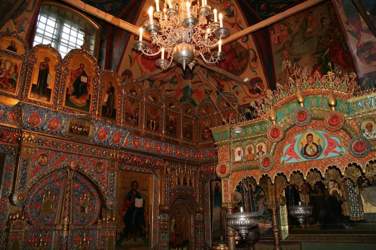 Catedrala Sfântul Vasile, interior