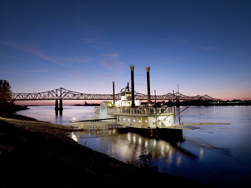 Croazierele pe Mississippi sunt splendide