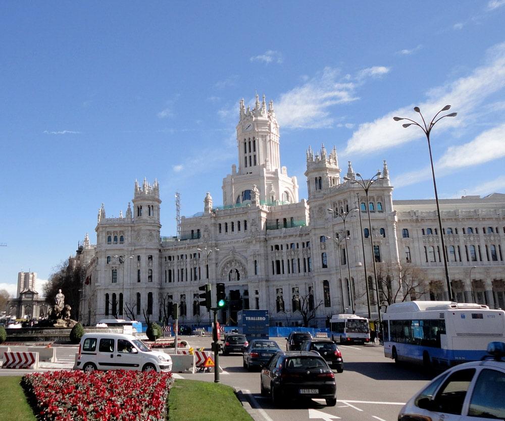 Palatul Comunicaţiilor din oraşul Madrid