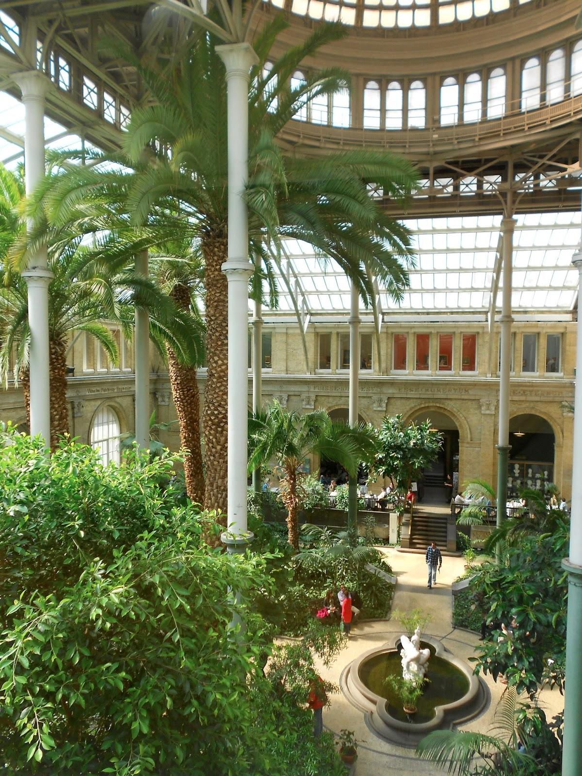 Grădina de Iarnă din interiorul Muzeului