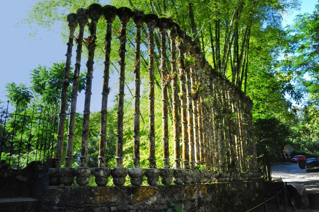 Deși unele au doar câteva zeci de ani, structurile ridicate în Las Pozas par vechi de sute de ani