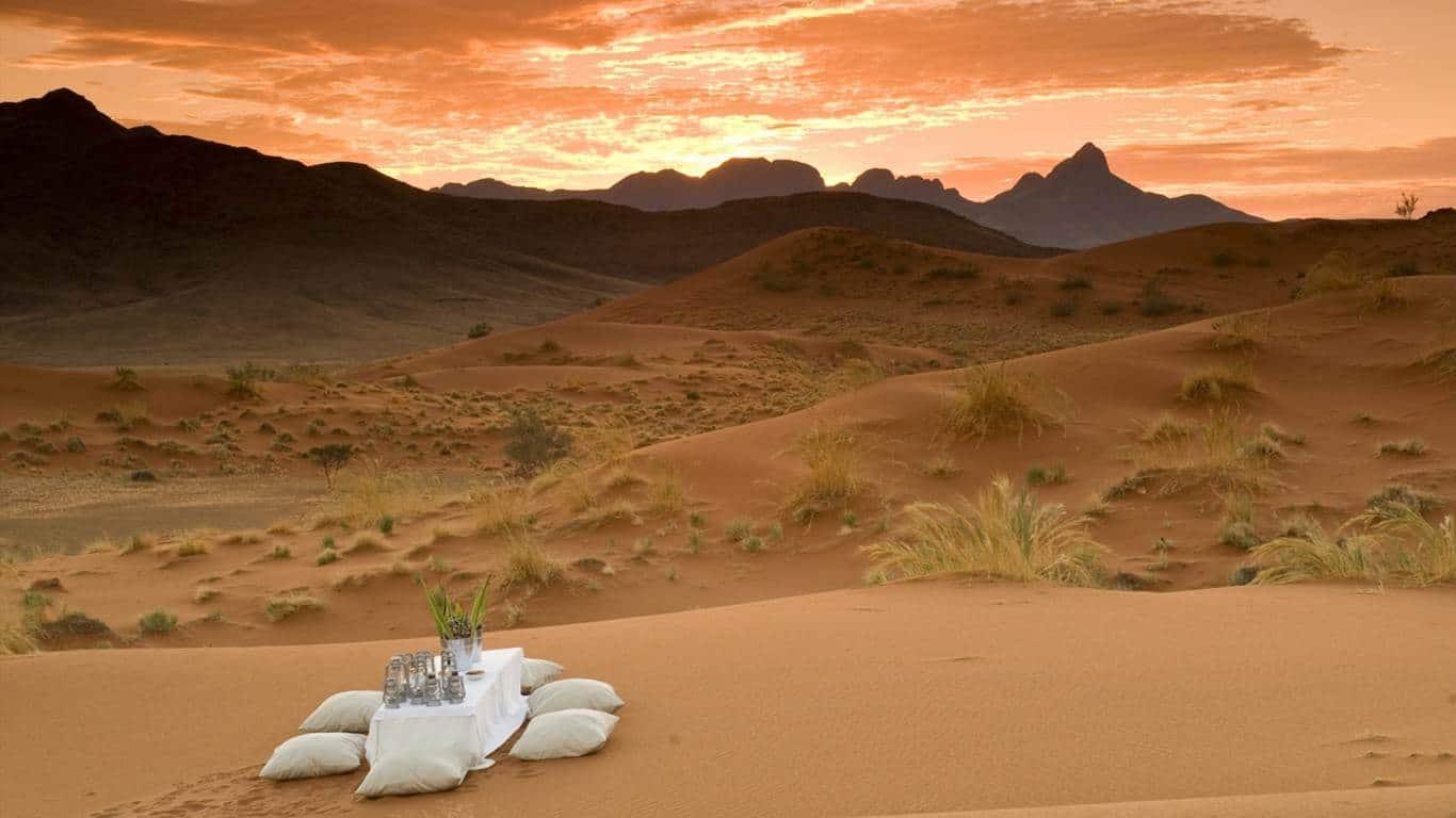 Dunele din Sossusvlei pot fi chiar un loc romantic