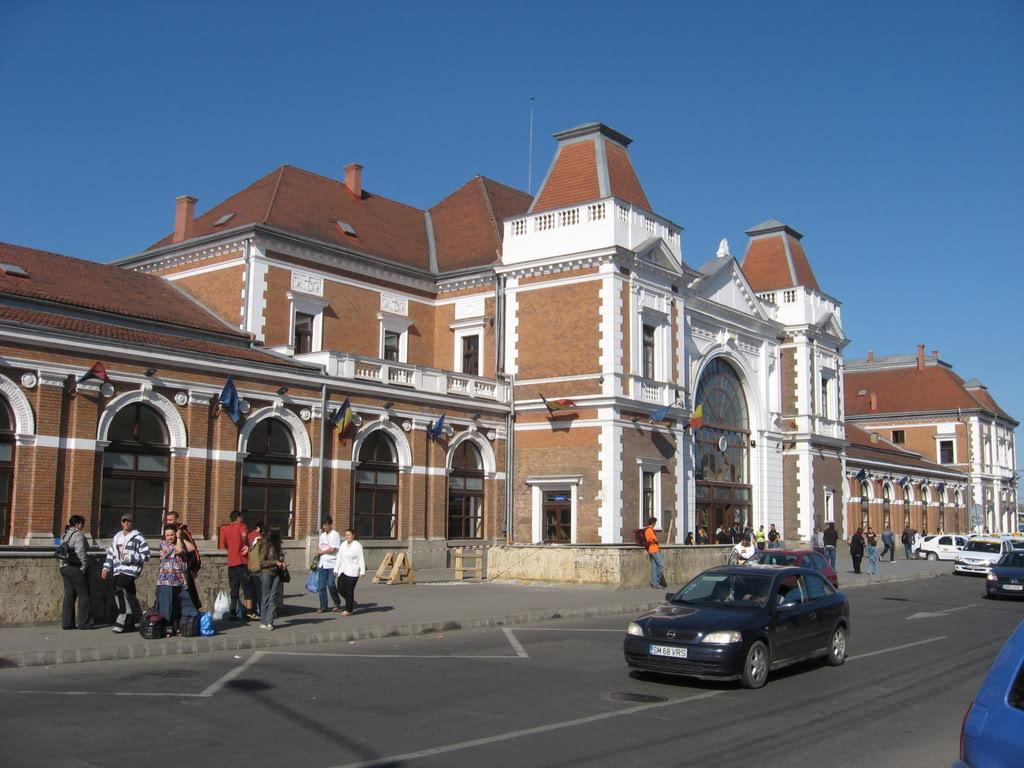 Gara din Cluj, elegantă și mereu aglomerată