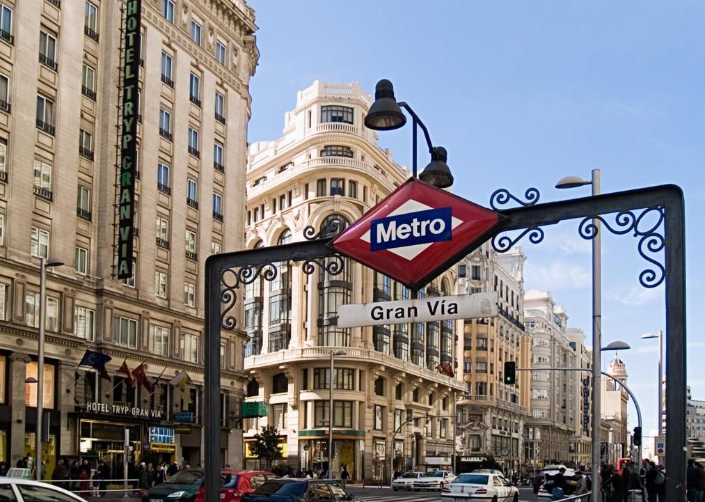 Strada Gran Via, o stradă plină de viaţă