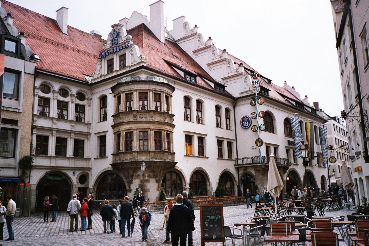 Hofbrauhaus este cea mai renumită berărie din lume
