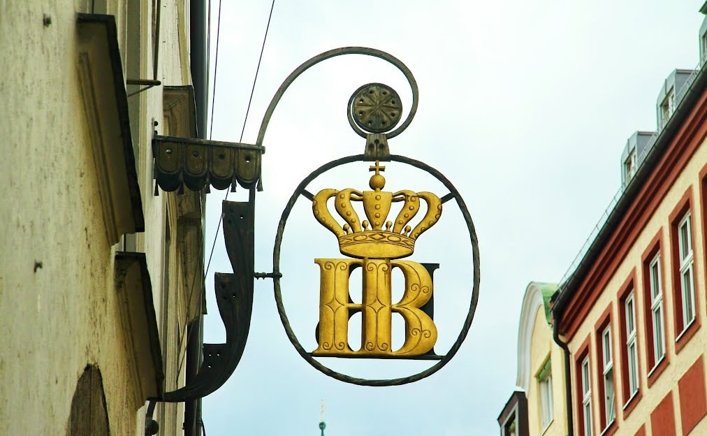 Hofbrauhaus - Berăria Regală și a fost înființată inițial de ducele Wilhelm al V-lea