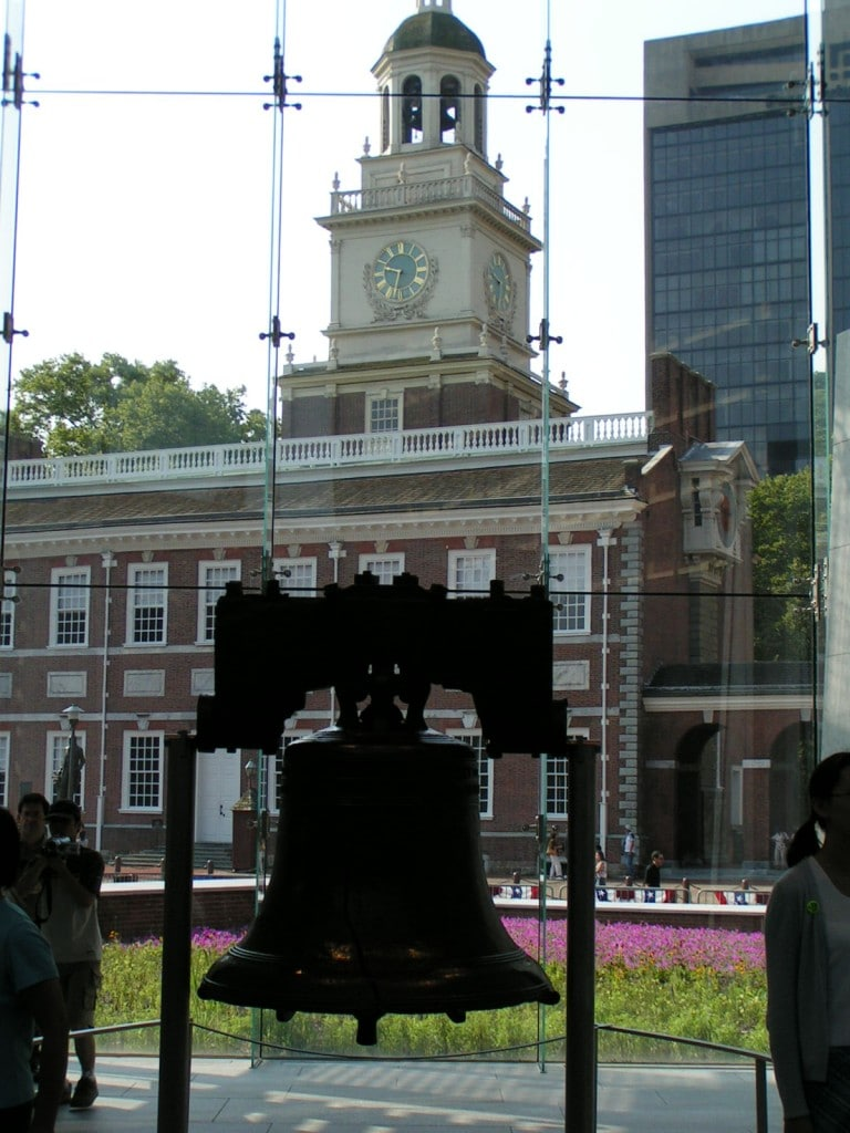 Independence Hall și Liberty Bell