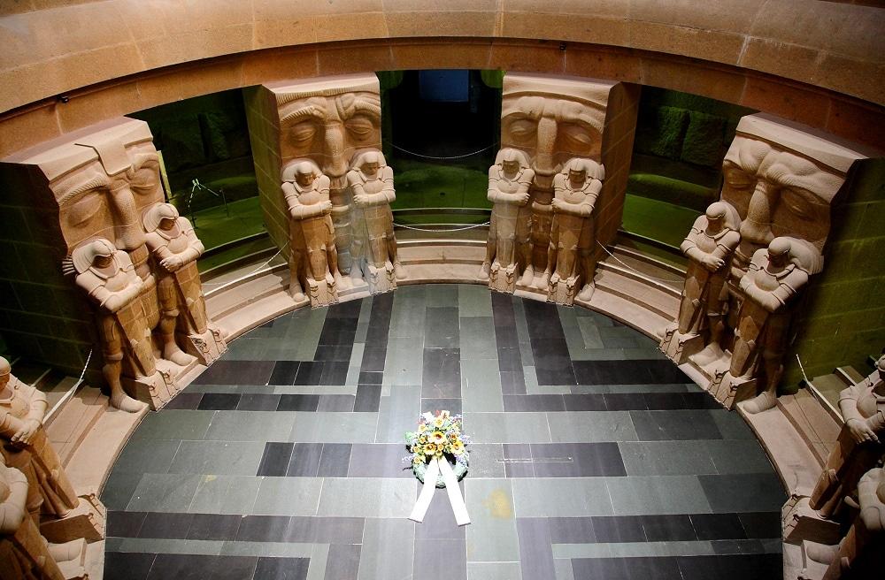 Interiorul este un omagiu pentru cei care și-au pierdut viața