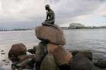 Mica Sirenă, stauie din bronz