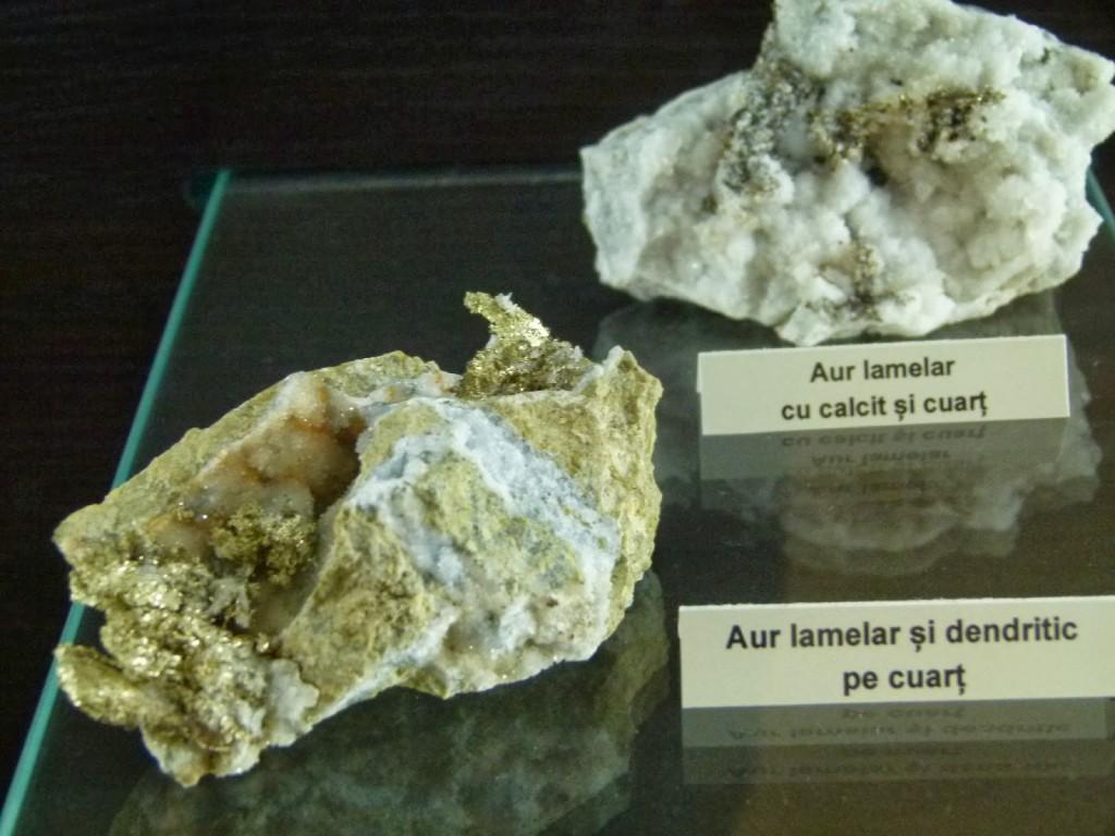 Minerale în combinație cu aur