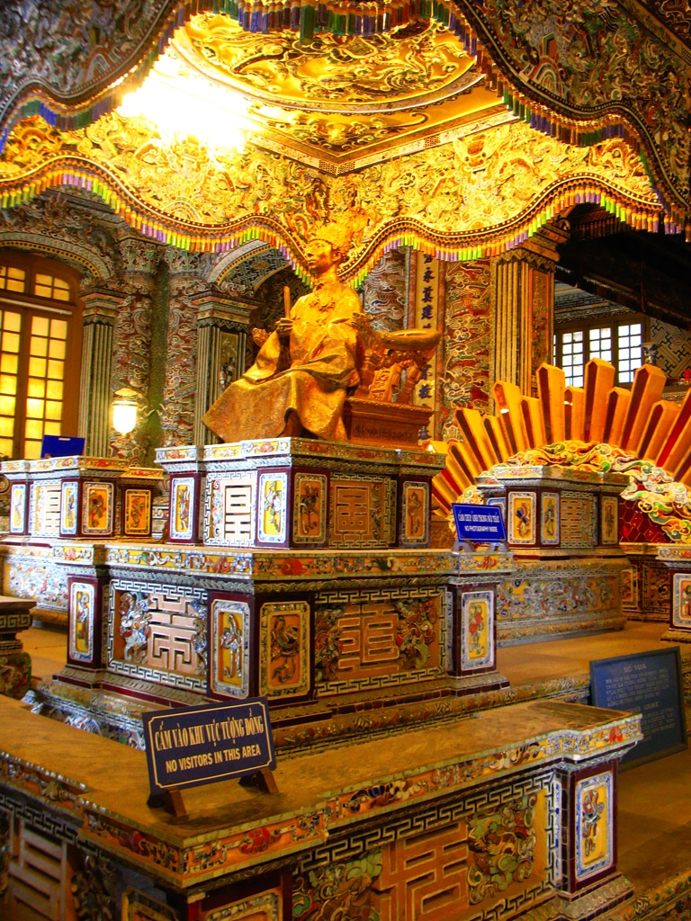 Mormântul lui Khai Dinh